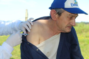 Read more about the article Residentes da Pella Bethânia recebem terceira dose da vacina contra a Covid-19